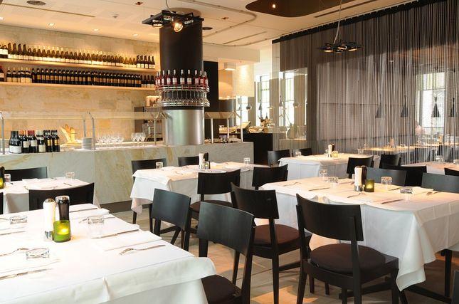 W jaki sposób odpowiednie zarządzanie w gastronomii usprawnia pracę w restauracji?